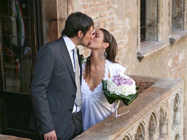 Matrimonio Tema Romeo E Giulietta : Nozze scegli la terrazza degli innamorati e regala una