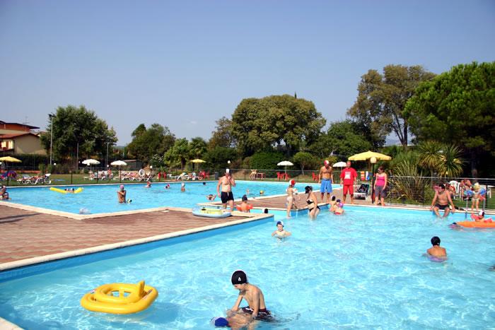 Attenzione alla piscina mette a rischio la salute se non - Piscina peschiera borromeo ...