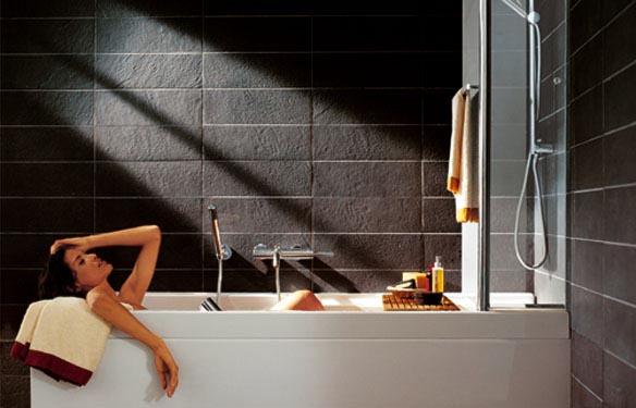 La ginnastica nella vasca da bagno contro la cellulite - Tutto per Lei
