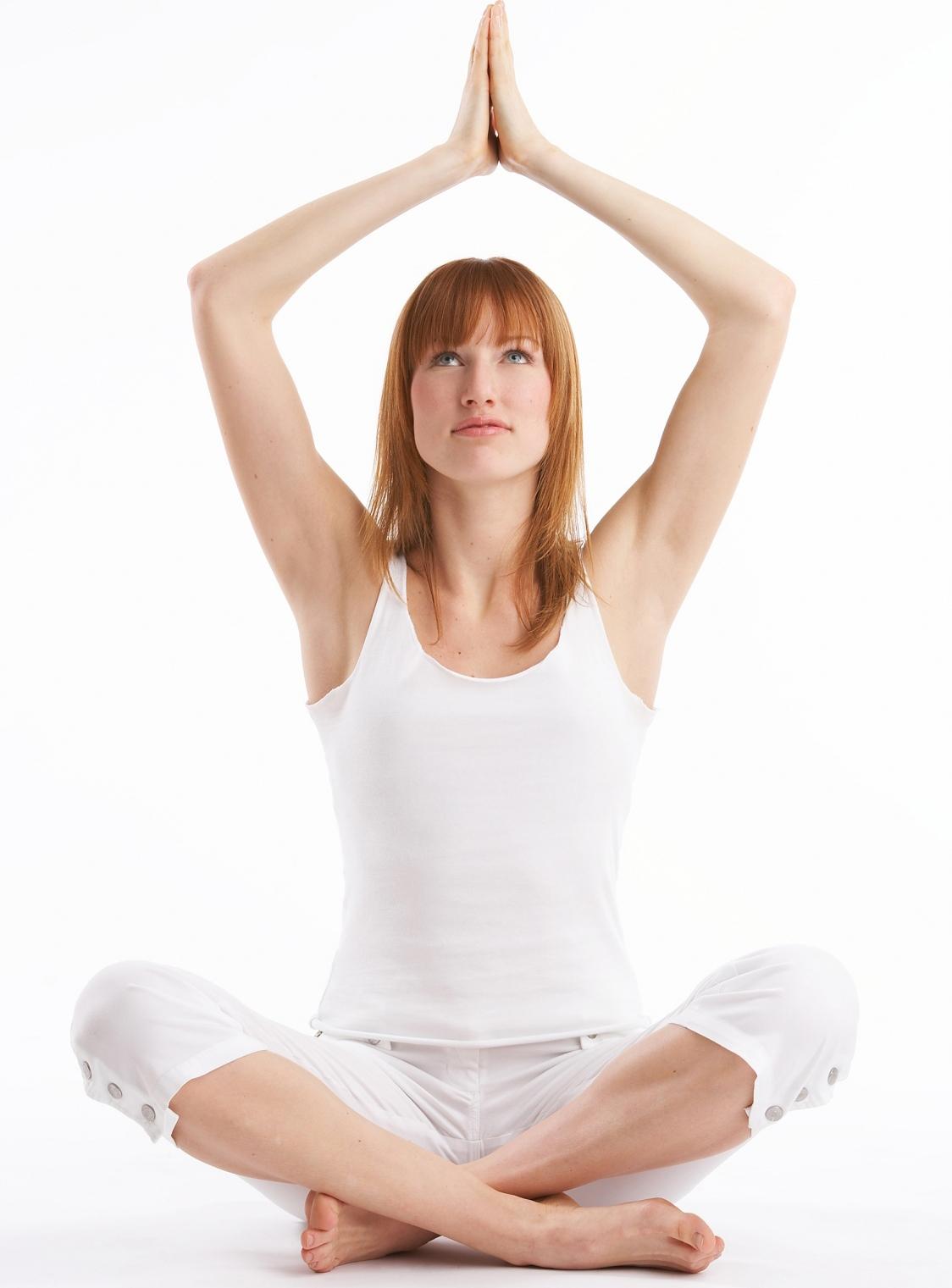 Yoga e stretching: i rimedi naturali contro il mal di schiena cronico