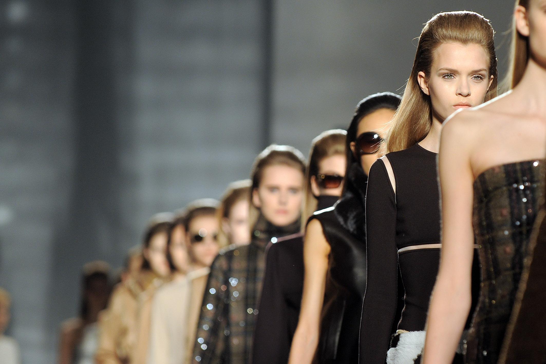 Milano al via la settimana della moda con le nuove for Settimana della moda milano 2018