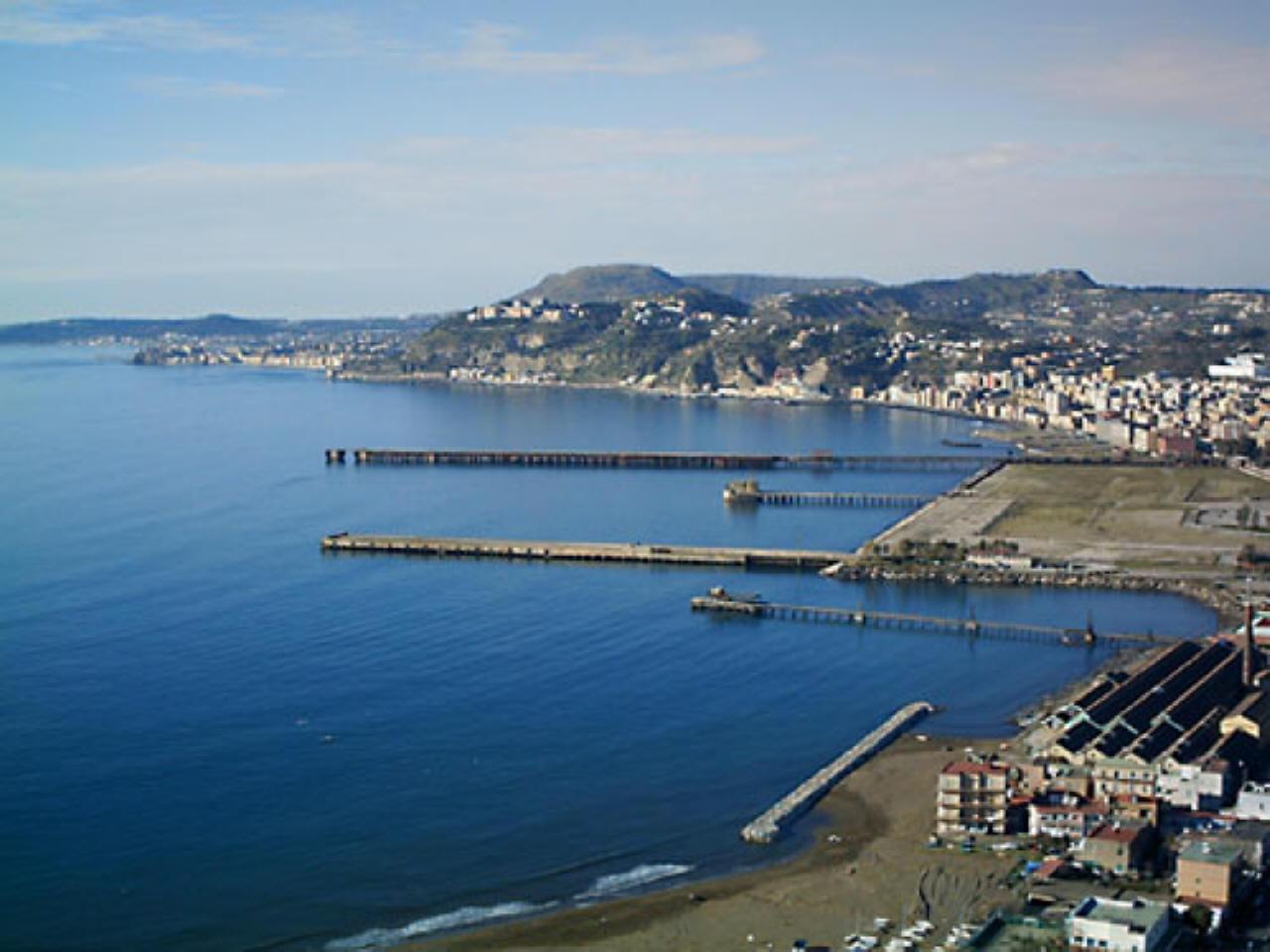 bagnoli cambia il piano regolatore nascer un porto