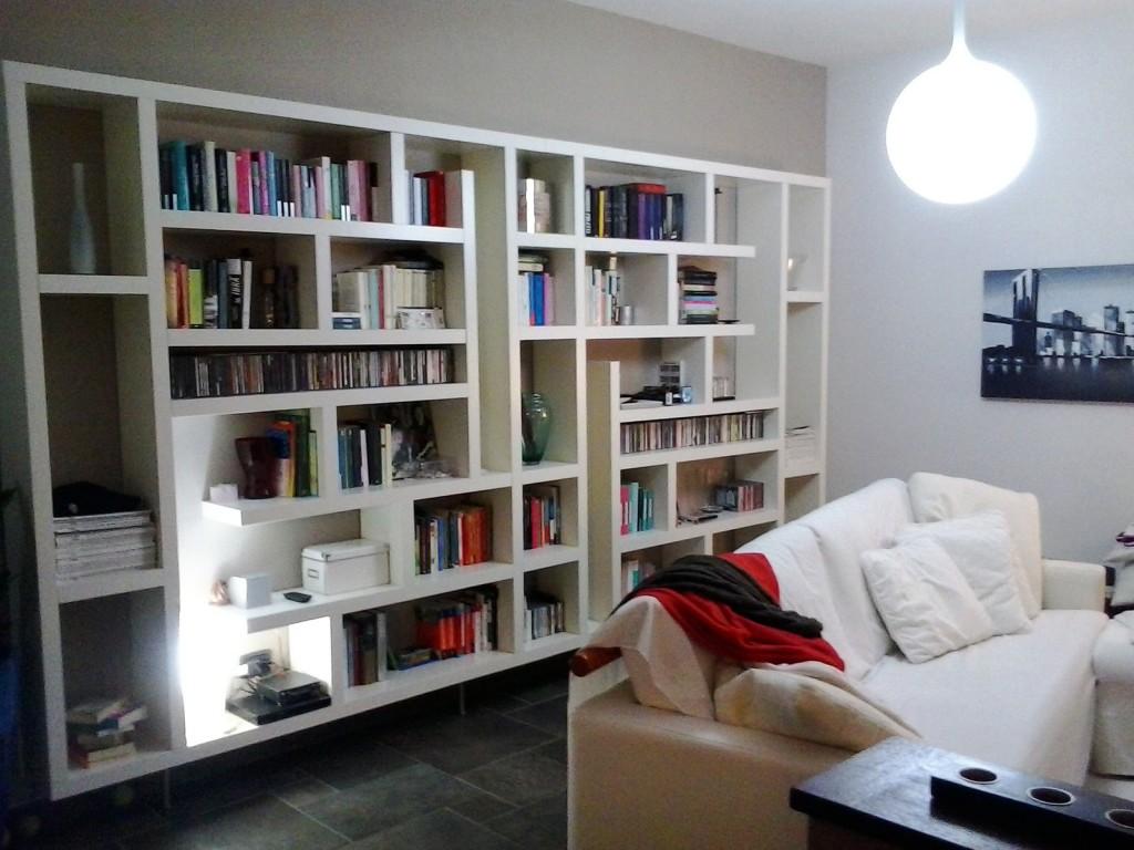 Costruire una libreria tutto per lei for Librerie bianche