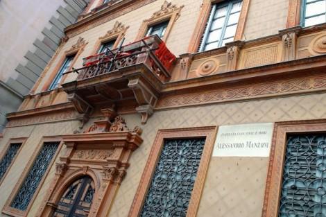 Milano al via il restauro della casa di alessandro for Disposizione della casa aperta