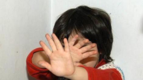 violenza su minori cronaca oggi