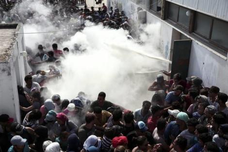 grecia scontri migranti
