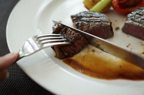 mangiare carne rossa