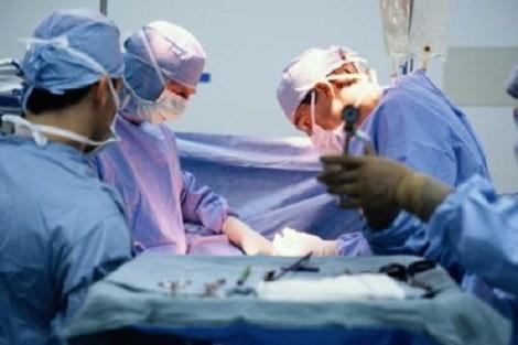 tumore al seno di 15 chili