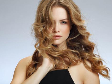 capelli mossi al naturale