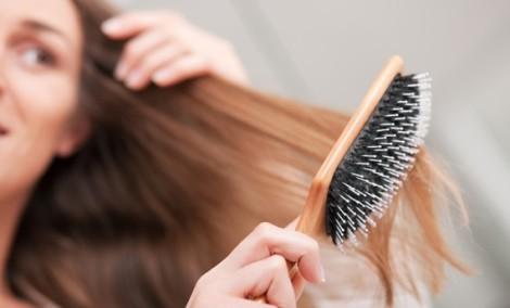 capelli che cadono cause