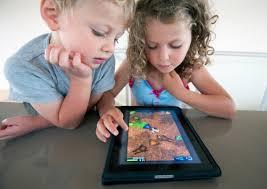 bambini-e-tablet-occhio-secco