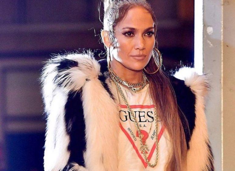 Jennifer Lopez testimonial della nuova campagna Guess Jeans