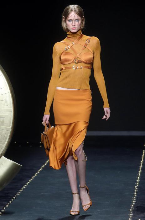 Versace, per la moda Autunno Inverno 201920 codici del